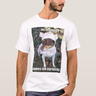 T-shirt rennie de lol - est sur le fond de la pile