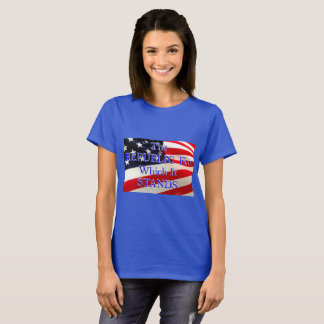 T-shirt République de drapeau américain laquelle elle