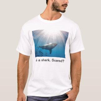 T-shirt Requin. Effrayé ?