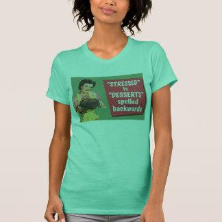 T-shirt Rétro soumis à une contrainte est des desserts