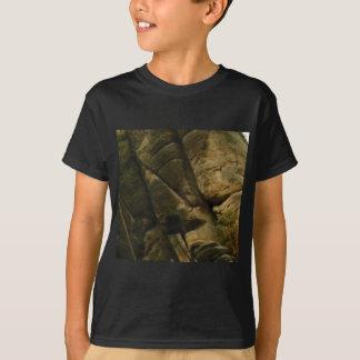 T-shirt roches grises de grondement