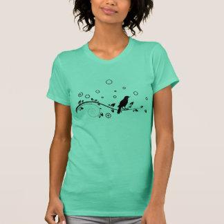 T-shirt romantique de fleur et d'oiseau