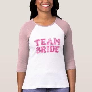 T-shirt rose de noce de jeune mariée d'équipe