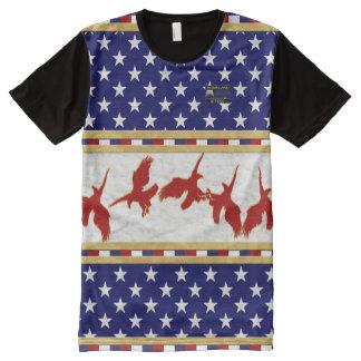 T-shirt rouge d'étoiles d'Eagle chauve de couleurs