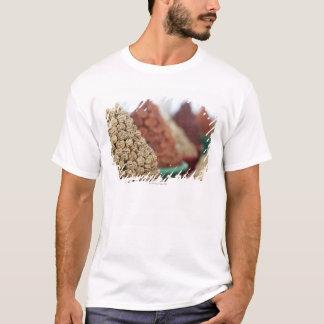 T-shirt Samarkand, l'Ouzbékistan. Écrous et abricots pour
