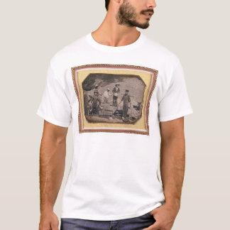 T-shirt Six mineurs avec le balancier, brouettes de roue…