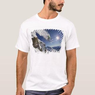 T-shirt Skieur dans l'entre le ciel et la terre
