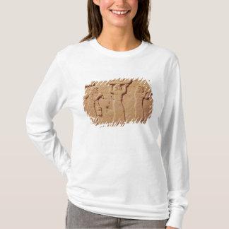 T-shirt Soulagement dépeignant des portiers chargés avec