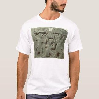 T-shirt Soulagement dépeignant Gilgamesh entre deux