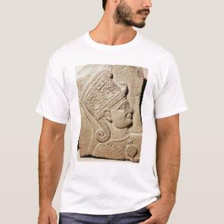 T-shirt Soulagement dépeignant la tête d'un jeune prince