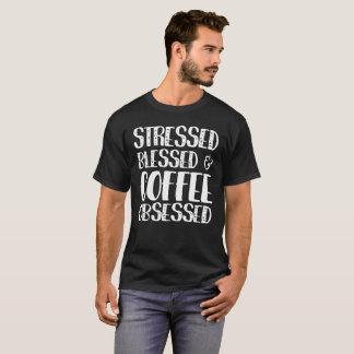 T-shirt Soumis à une contrainte béni et café hanté