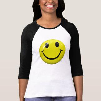 T-shirt souriant heureux de visage