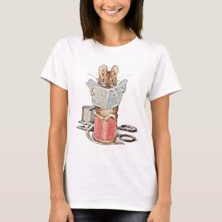 T-shirt Souris de tailleur sur la bobine du fil