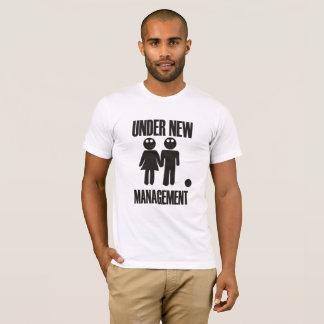 T-shirt Sous le nouveau mariage de nuit de mâle de gestion