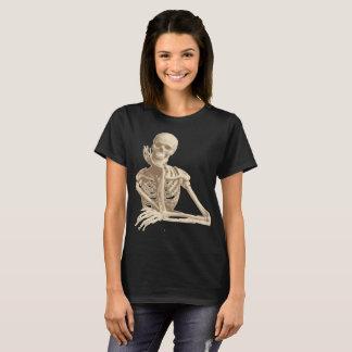 T-shirt squelette de penchement