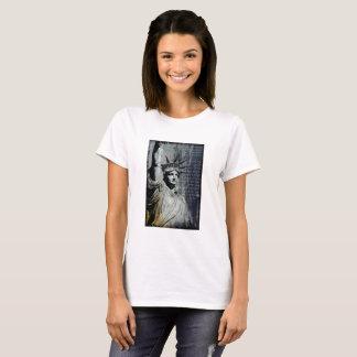 T-shirt statue de la peinture de poème d'art de New York