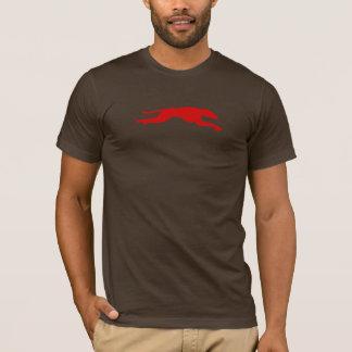 T-shirt streched rouge de lévrier sur le brun