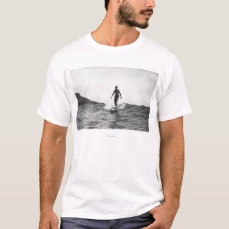 T-shirt Surfer dans le surfer de Honolulu Hawaï Longboard
