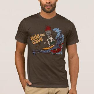 T-shirt Surfer de Tiki : Montez la vague