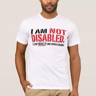T-shirt T des hommes non handicapés