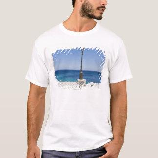 T-shirt Tache isolée pour une lanterne, village de