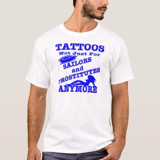 T-shirt Tatouages pas simplement pour des marins et des