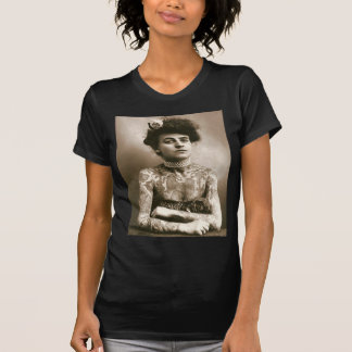 T-shirt Tattoed avec des perles, photo victorienne de