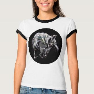 T-shirt Tête de cheval blanc avec le long Maine. Art par