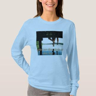 T-shirt th_deck, Sittin sur le dock de la baie…