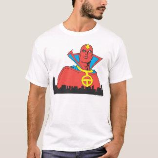 T-shirt Tornade rouge derrière le paysage urbain