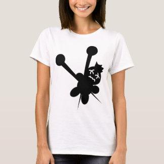 T-shirt torture noire d'aiguilles de poupée de vaudou