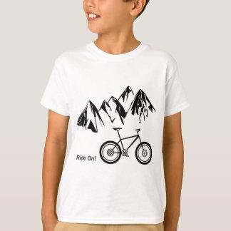 T-shirt Tour dessus ! Silhouette de vélo de montagne avec