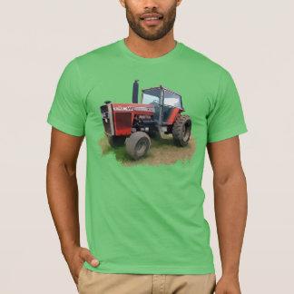 T-shirt Tracteur rouge de Massey Ferguson dans le domaine