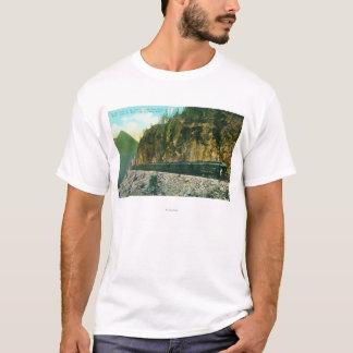 T-shirt Traînée au nord de point rocheux, de passage blanc