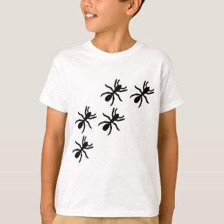 T-shirt traînée noire de fourmi