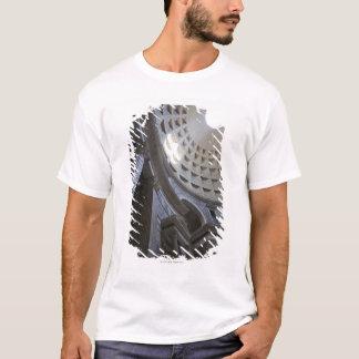 T-shirt Un axe de lumière par l'oculus dans