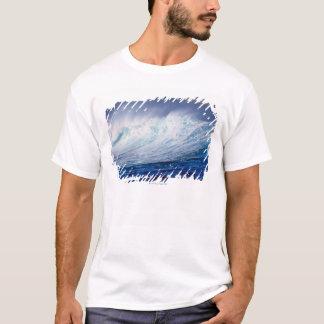 T-shirt un bâtiment de vague