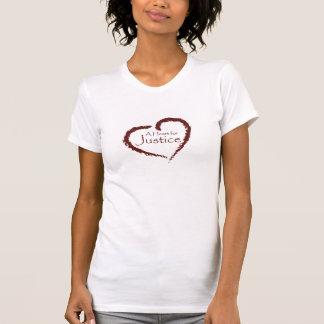 T-shirt Un coeur pour la chemise de justice (femmes)