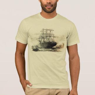 T-shirt un vieux vieux bateau en bois