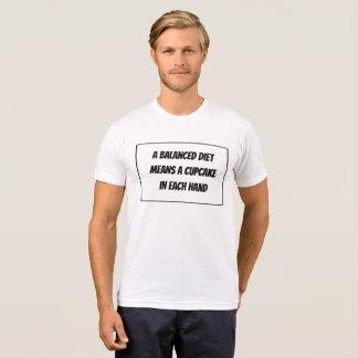 T-shirt Une alimentation équilibrée signifie un petit
