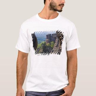 T-shirt Une promenade dans toutes des ruines de château de