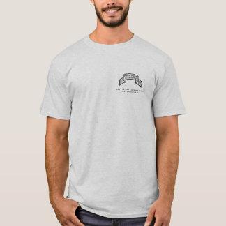 T-shirt Uniforme de devoir sous la chemise