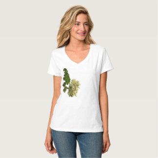 "T-shirt V-neck Hanes Nano de ""La Belle Fleur"""