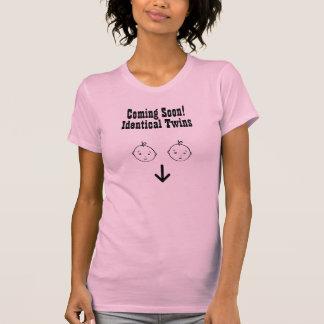 T-shirt Venez bientôt, jumeaux d'Identicle