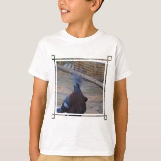 T-shirt Victoria a couronné le pigeon
