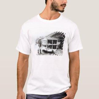 T-shirt Voiture d'ambulance sur un des chemins de fer