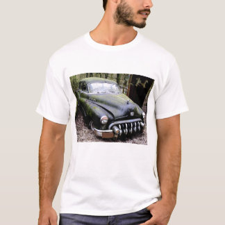 T-shirt Voiture noire de Buick avec de la mousse