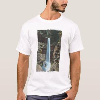 T-shirt Vue de cascade spectaculaire de caverne