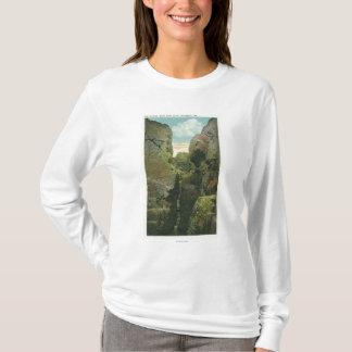 T-shirt Vue de la crevasse de falaise de tête chauve