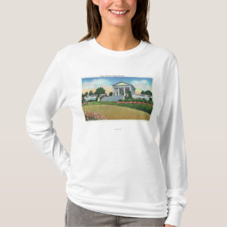 T-shirt Vue de parc de colline d'université de mémorial de